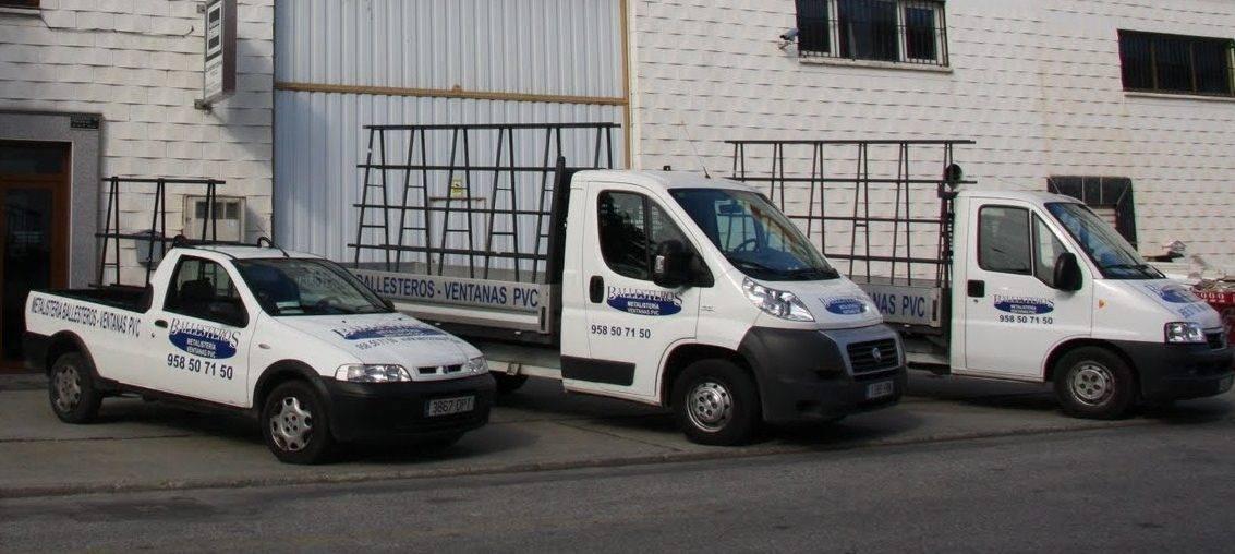 Algunos de los vehículos profesionales de Metalistería Ballesteros
