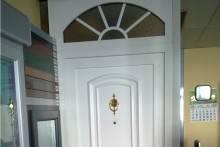 Puerta en PVC de exposición