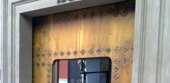 Puerta de PVC y vidrio