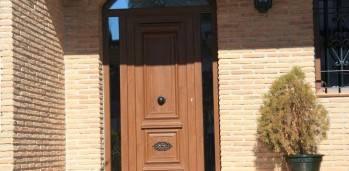 Puerta PVC de calle