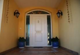 Puerta PVC con vidriera