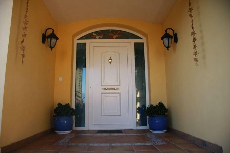 Puerta pvc con vidriera metalister a ballesteros - Puertas de exterior de pvc ...
